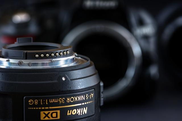 Nikon AF-SNikkor Camera Lens