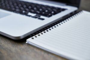 simple_photography_ideas_computer_notebook