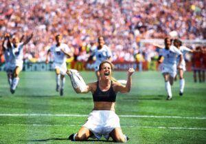 Favorite_Sports_Images_14-brandi-chastain-1999-fsjpg