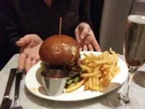 Food_Photography_Hamburger_Selfie